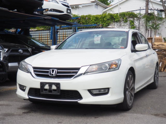 2013 Honda Accord Sport For Sale >> Pre Owned 2013 Honda Accord Sport Fwd 4d Sedan